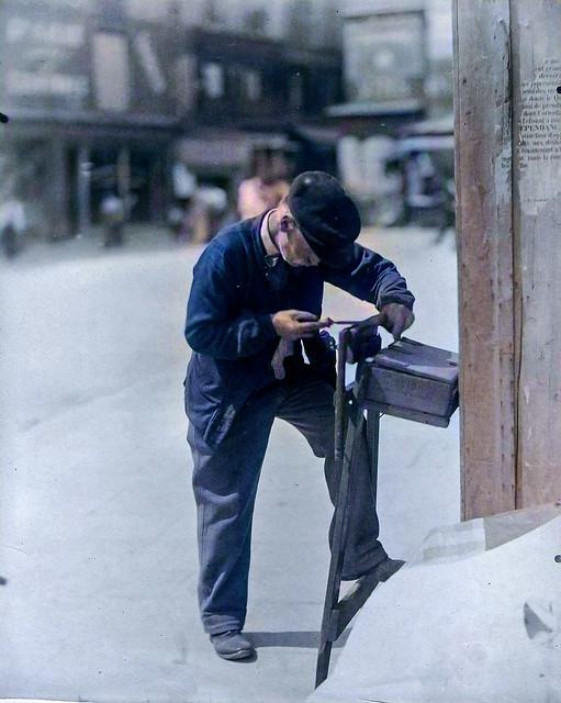 Eugene Atget Repairman Saws 1899-1900_colorSAI_result