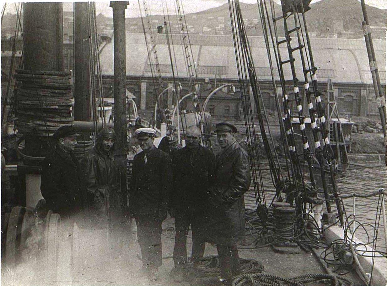 На борту шхуны «Чукотка». Берзин А. П. 1931.