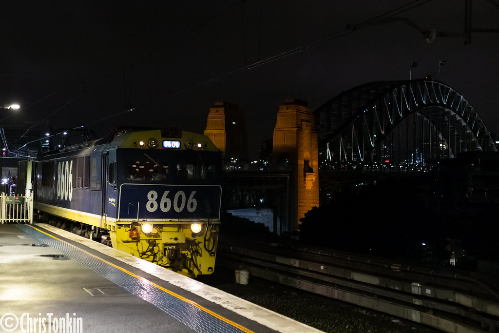 E720 8606 Milsons Point 27-01-2021 by Chris Tonkin