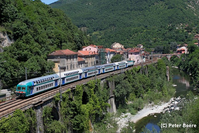 Trenitalia  in Isole del Cantone (It), 28-05-2011