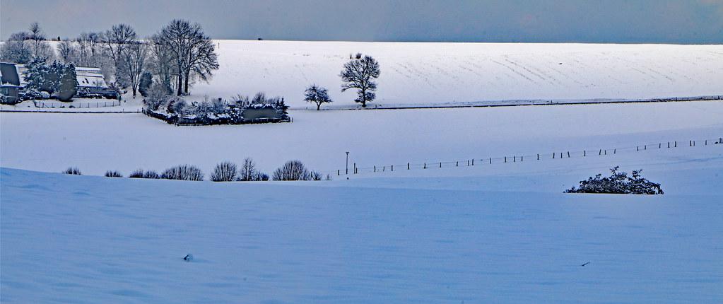 Hof im Schnee
