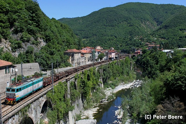 Trenitalia cargo in Isole del Cantone (It), 28-05-2011