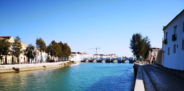 Río Gilao y Puente de Siete Arcos o Puente Romano de Tavira Algarve Portugal 03