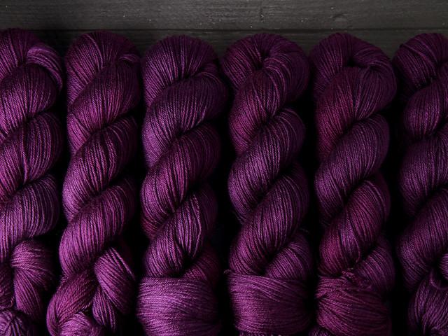 Brilliance 4 Ply  – British Bluefaced Leicester wool/silk hand-dyed yarn 100g – 'Boudoir'