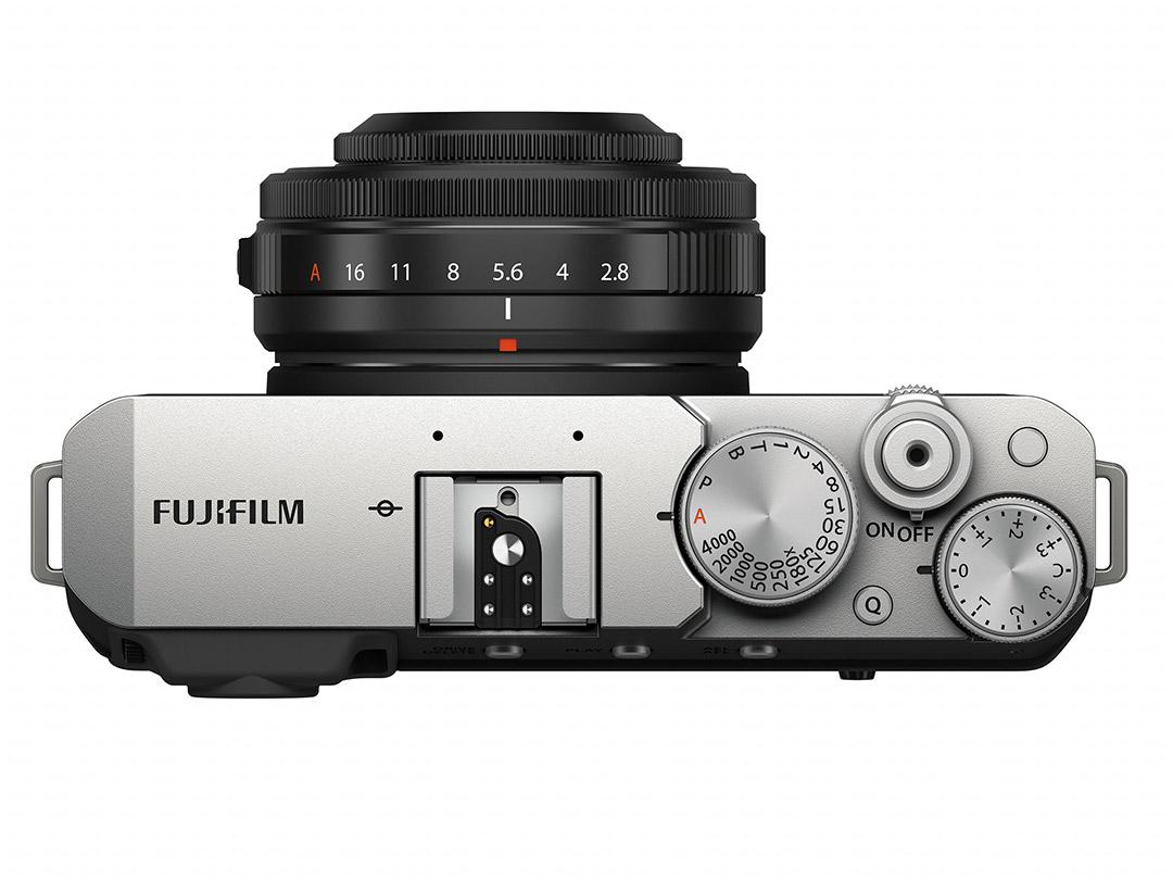 Fujifilm-X-E4-Silver-Body-05