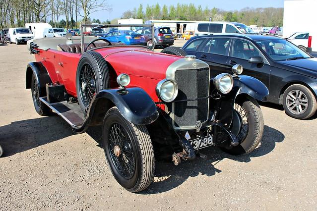 071 Sunbeam 3 litre Tourer (1928) SY 3688