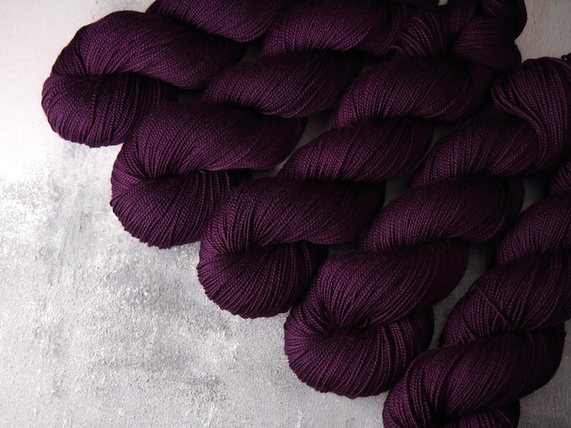 Preorder round 1: DK, Aran or Sock superwash wool hand dyed yarn 100g – 'Boudoir'