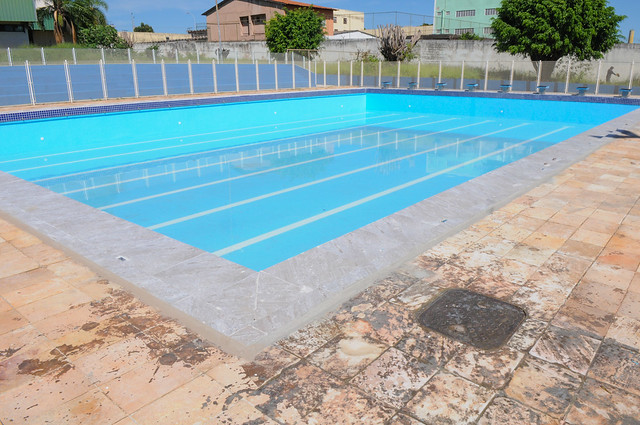 Após 20 anos, piscina nova para os alunos de Ceilândia