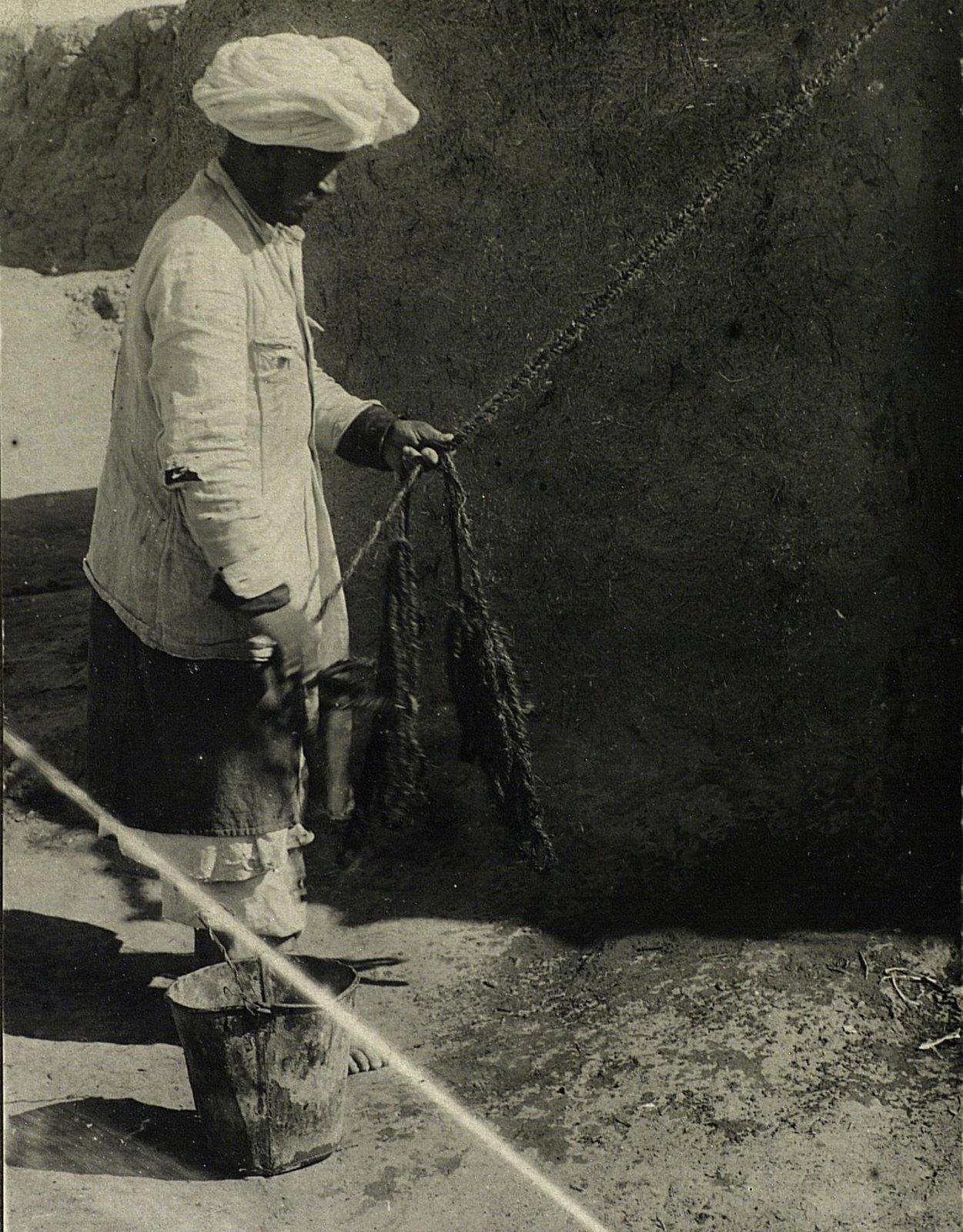 Витье шерстяной веревки