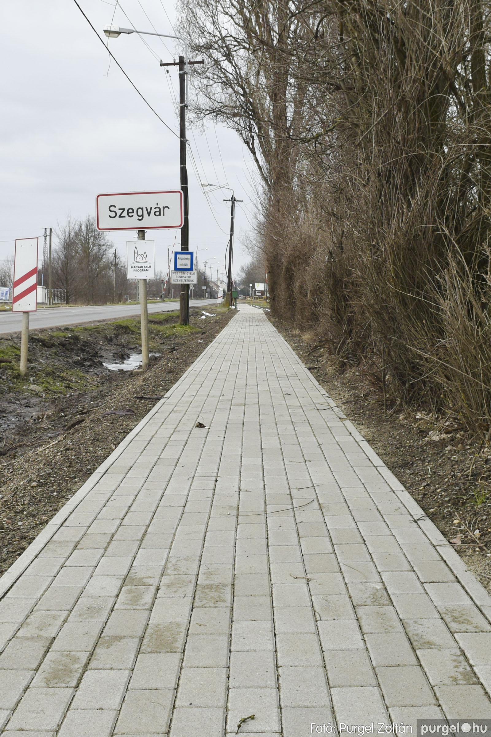 2021.01.28. 007 Vasútállomás járda felújítás - Fotók:PURGEL ZOLTÁN© _DSC3761q