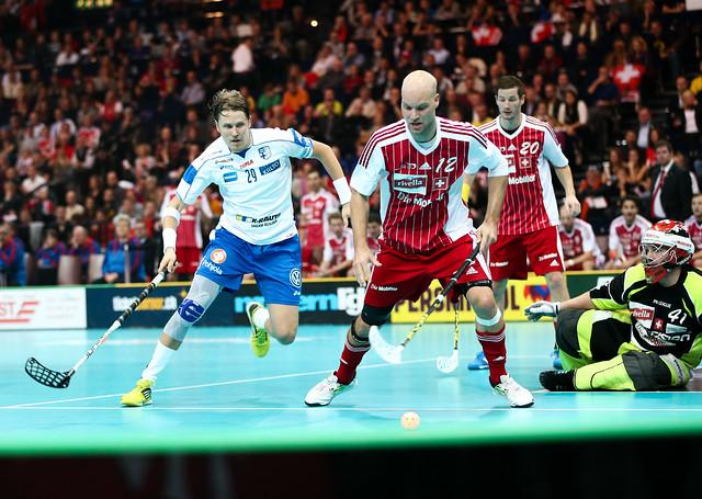 Finland vs Switzerland - Salibandy World Championships 1/2 Final Game - 08/12/12 - IMAGE CREDIT : Ville Vuorinen - NO UNPAID USE ALLOWED