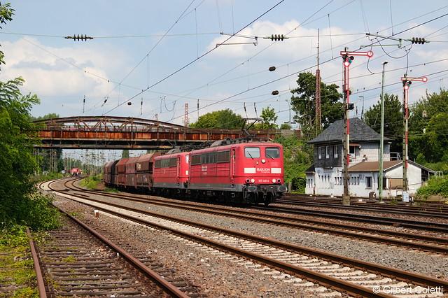 151 148-4 + 151 053-6 mit Kohlezug in Düsseldorf-Rath