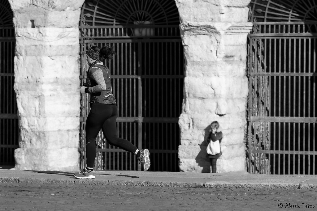 Runner woman in Verona