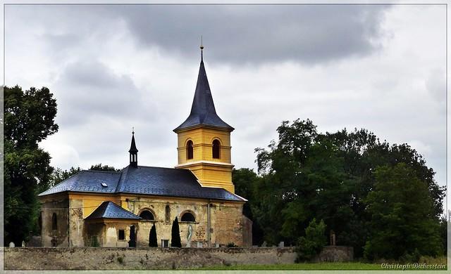 Křečhoř - Kostel sv. Václava a Božího Těla