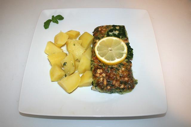 Iglo Gourmet fillet spinach cheese - Served  / Iglo Schlemmerfilet Blattspinat Käse & Kartoffeln - Serviert
