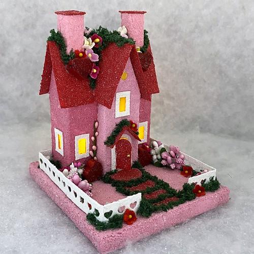 ORIGINAL size Pink and Red Valentine Putz House