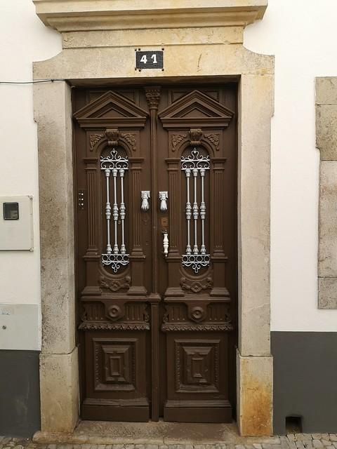 puerta de casa antigua de Tavira Algarve Portugal