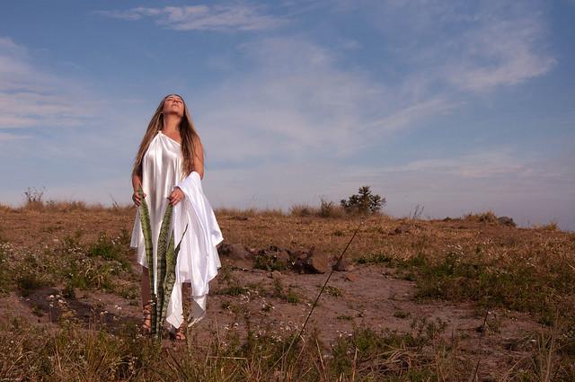 Fotografia de Leliane de Castro do videoclip PROFECIA de Jeanne Louise