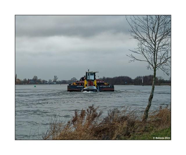Schiebung auf der Maas..II