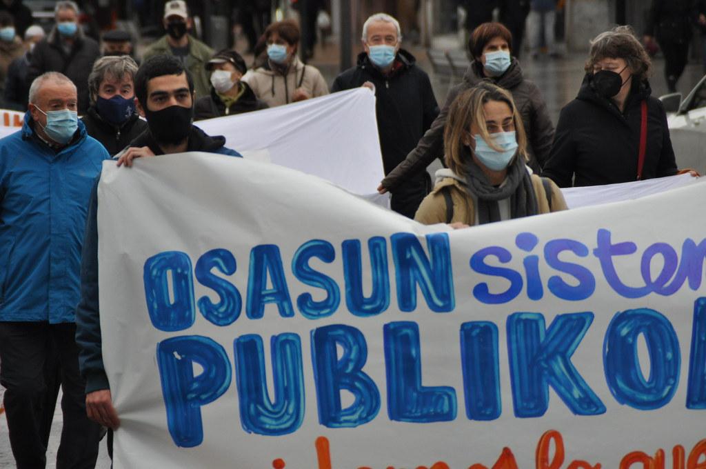 Osasun publikoaren aldeko manifestazioa Irunen