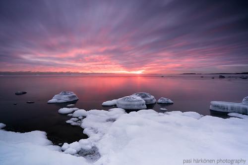 ice helsinki afternoon january 2021 lauttasaari gulfoffinland tammikuu suomenlahti sonya7iii sonyfe20mmf18 sea snow landscape coast frost lumi meri seasmoke jää auringonlasku maisemakuva huurre rannikko iltapäivä
