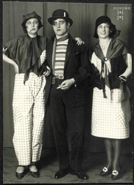 ArchivTappen2AAl2d621 Faschingsfoto, Fotoalbum, 1900-1930er
