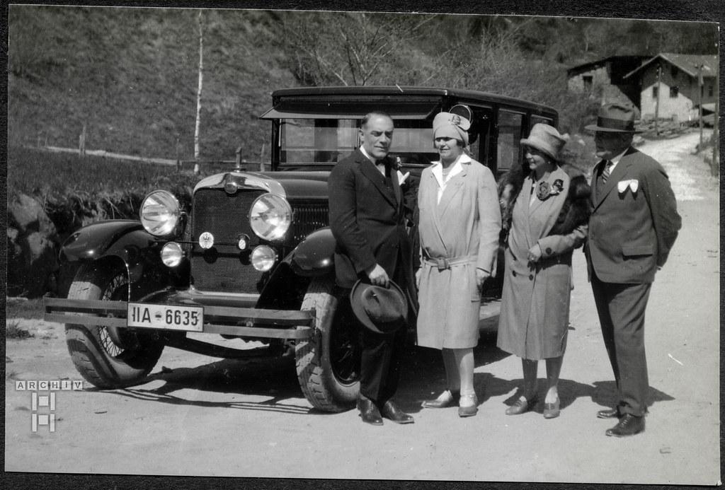 ArchivTappen2AAl2d634 Mit dem Audi Automobil unterwegs, Fotoalbum, 1900-1930er