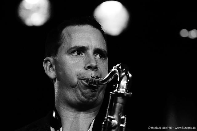 Bernhard Wiesinger: sax, flute