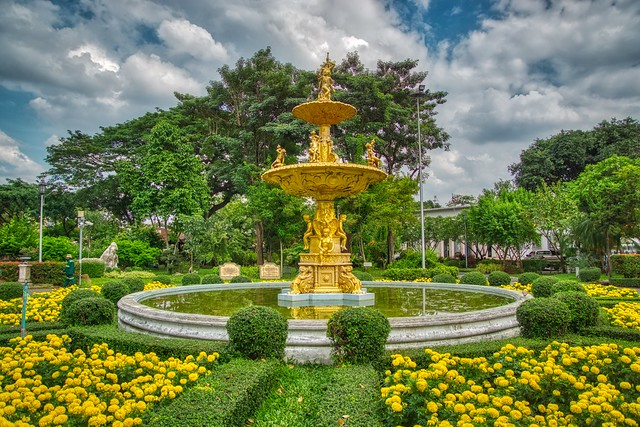 Fountain in Saranrom Palace Park in Bangkok, Thailand