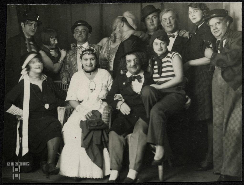 ArchivTappen2AAl2d623 Faschingsfeier, Fotoalbum, 1900-1930er