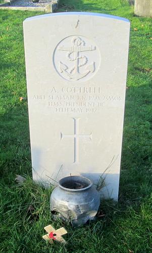 Hebburn, Second World War Grave