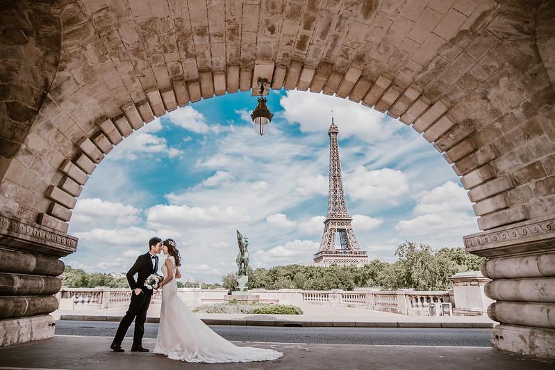 Amor Dress莫兒精緻婚紗禮服、WeddingDay、全球旅拍、台中婚紗、台中婚紗攝影工作室、巴黎拍婚紗、巴黎鐵塔婚紗、新娘物語推薦、法國旅拍婚紗、羅浮宮婚紗、艾菲爾鐵塔