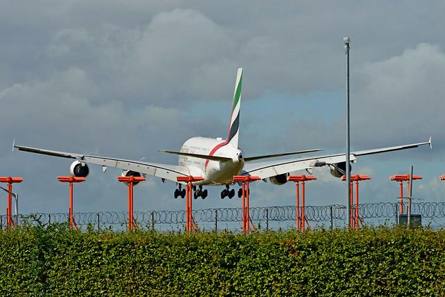 EMIRATES AIRLINES, AIRBUS A380