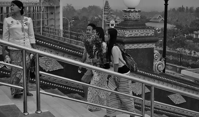 MYANMAR ,Burma , Naypyidaw die neue , ganz spezielle Hauptstadt, rund um die neue, gigantische Friedenspagode-Uppatasanti-Pagode, auf der Plattform,  78169/13354
