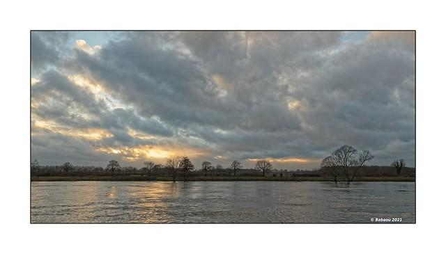 Goldene Stunde an der Maas...