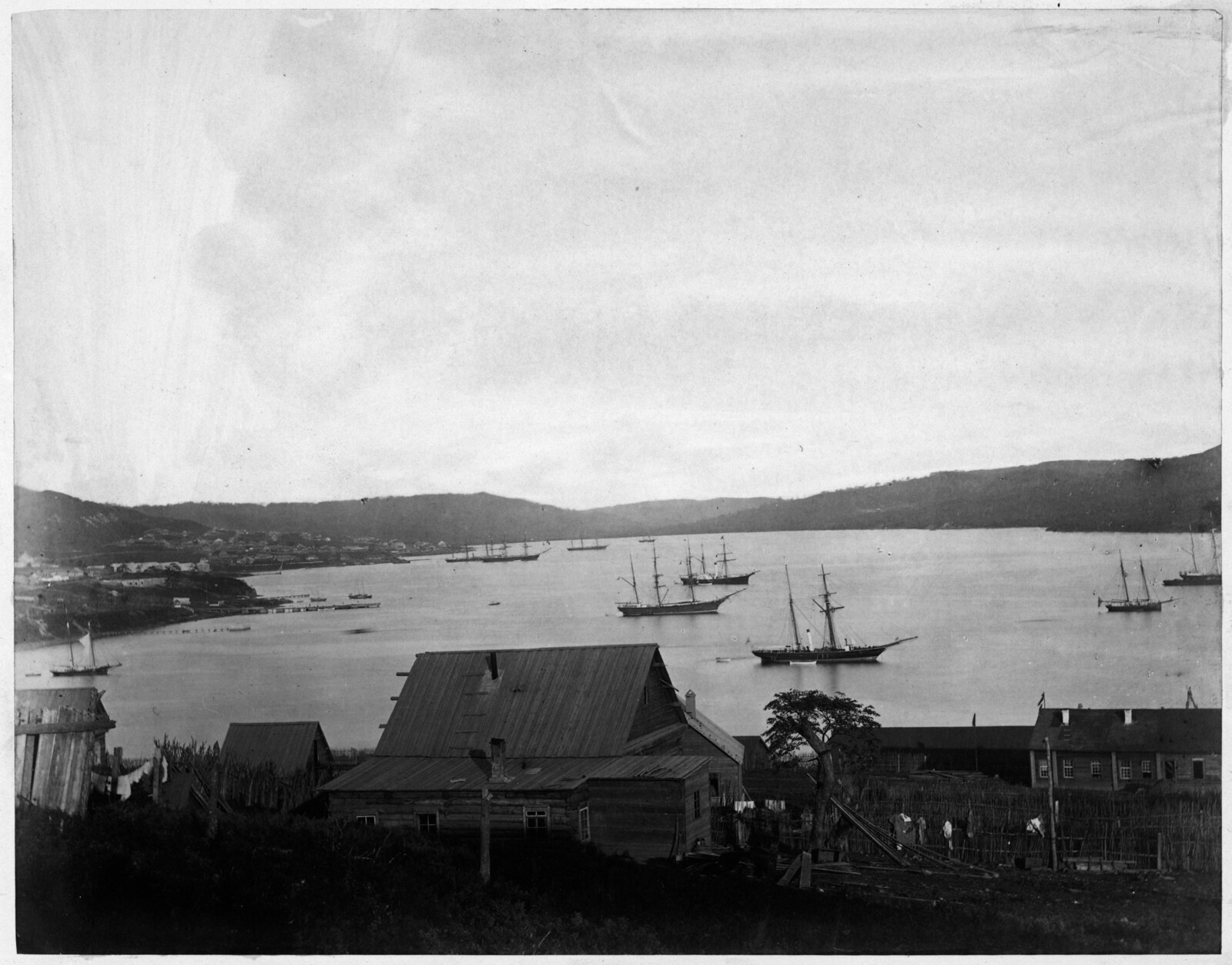 Вид города и бухты. 1865