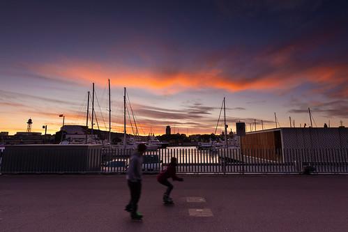 S´en vá el sol per darrera Montjuïc