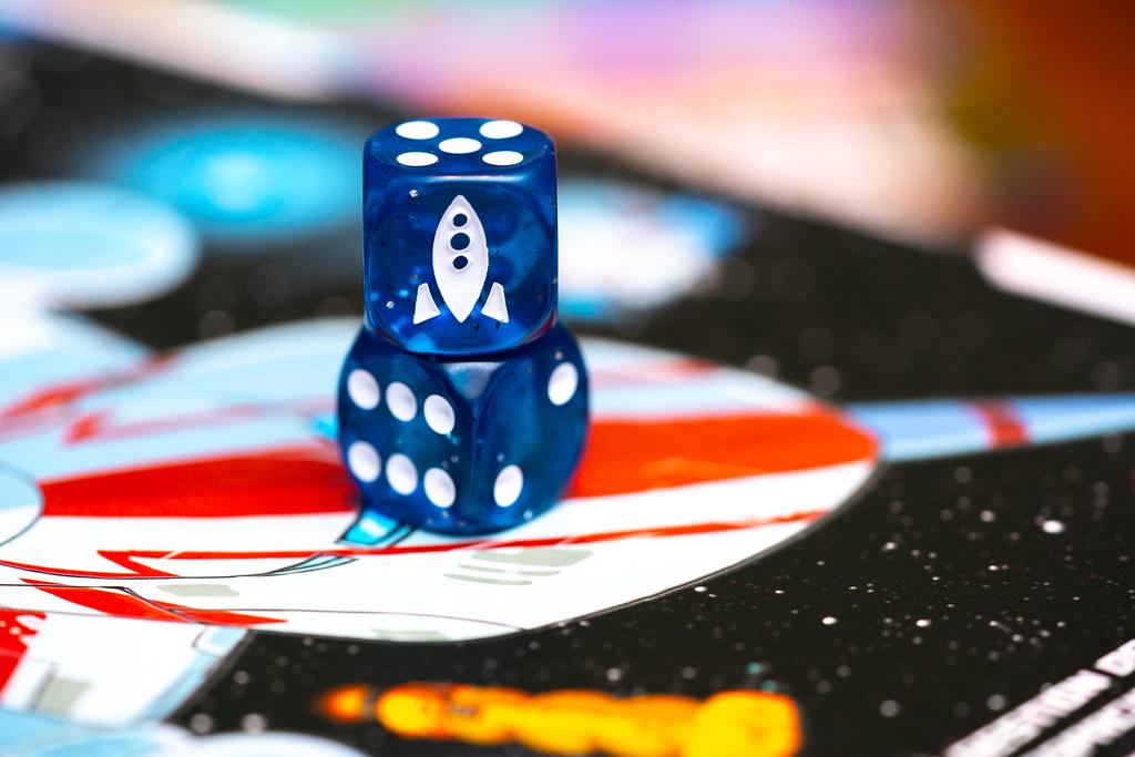 Space Base + Tímido Plutón boardgame juego de mesa