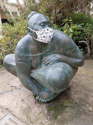Yucateca Sentada Statue