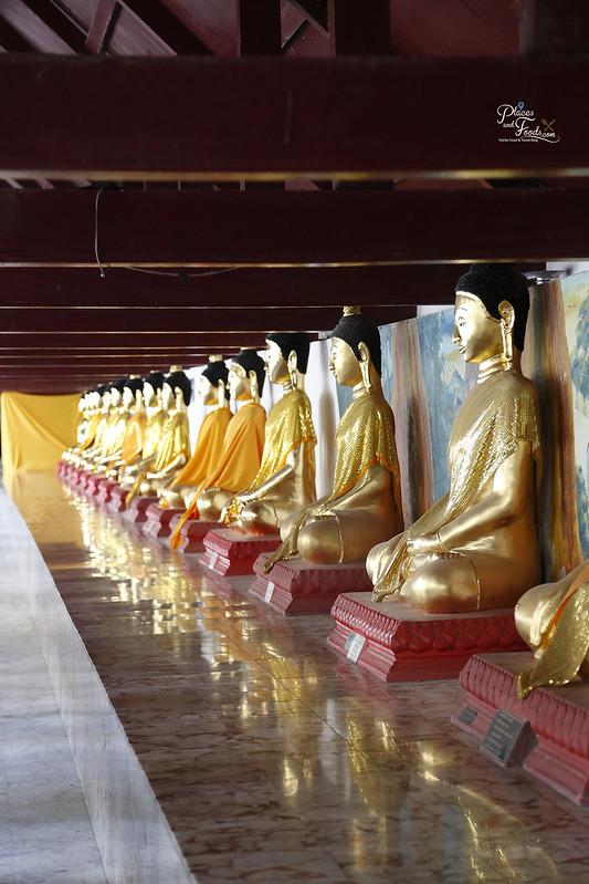 Wat Phra Mahathat golden buddhas