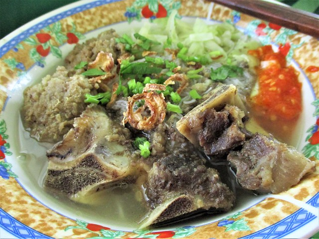 Bubu's bakso, beef bones