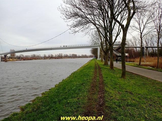 2021-01-30  Hollandsche Schouwburg via station Muiderpoort, Diemen, Station Weesp 49