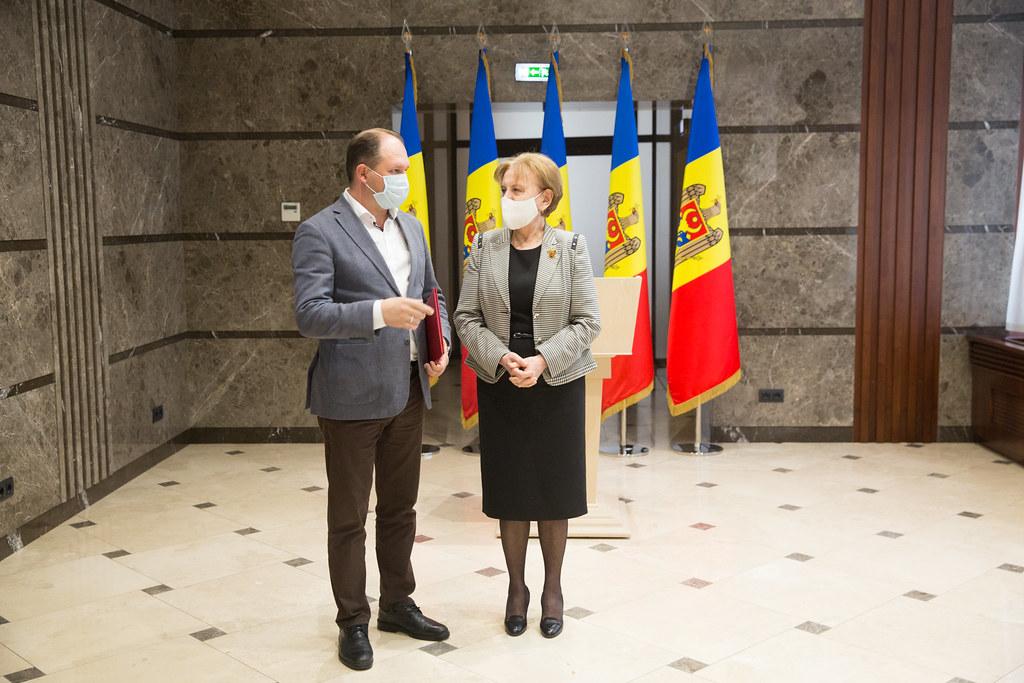 01.02.2021 Ceremonia de înmânare a  Diplomelor Parlamentului primarilor localităților din  municipiul Chișinău