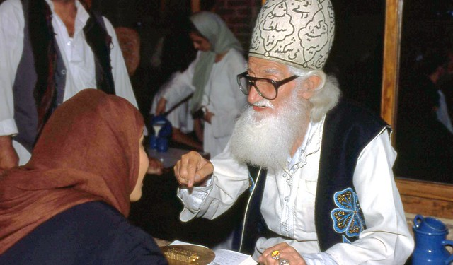 IRAN TEHERAN Conteur traditionnel 1996