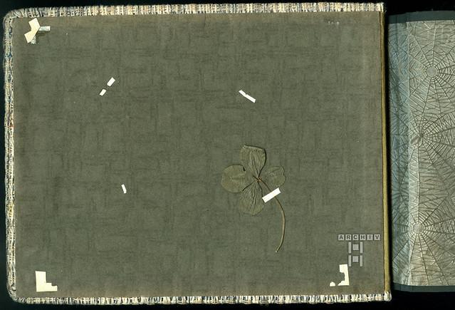 ArchivTappen2AAl2e637 Albumeinband (front), Innenseite, Vierblättiges Kleeblatt, 1930-1948