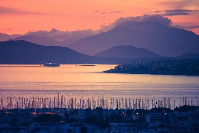 entering piraeus harbor