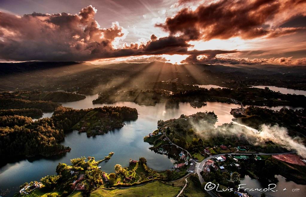 Atardecer en Guatapé - Guatapé sunset