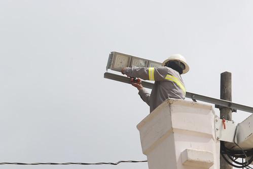 Instalação de lâmpadas a LED é concluída no Viver Melhor 2