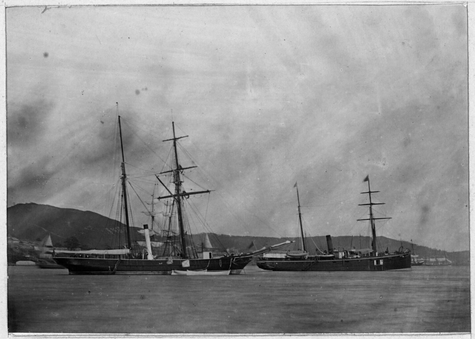 Шхуна «Восток» Сибирской флотилии и шхуна «Сибирь». 1875