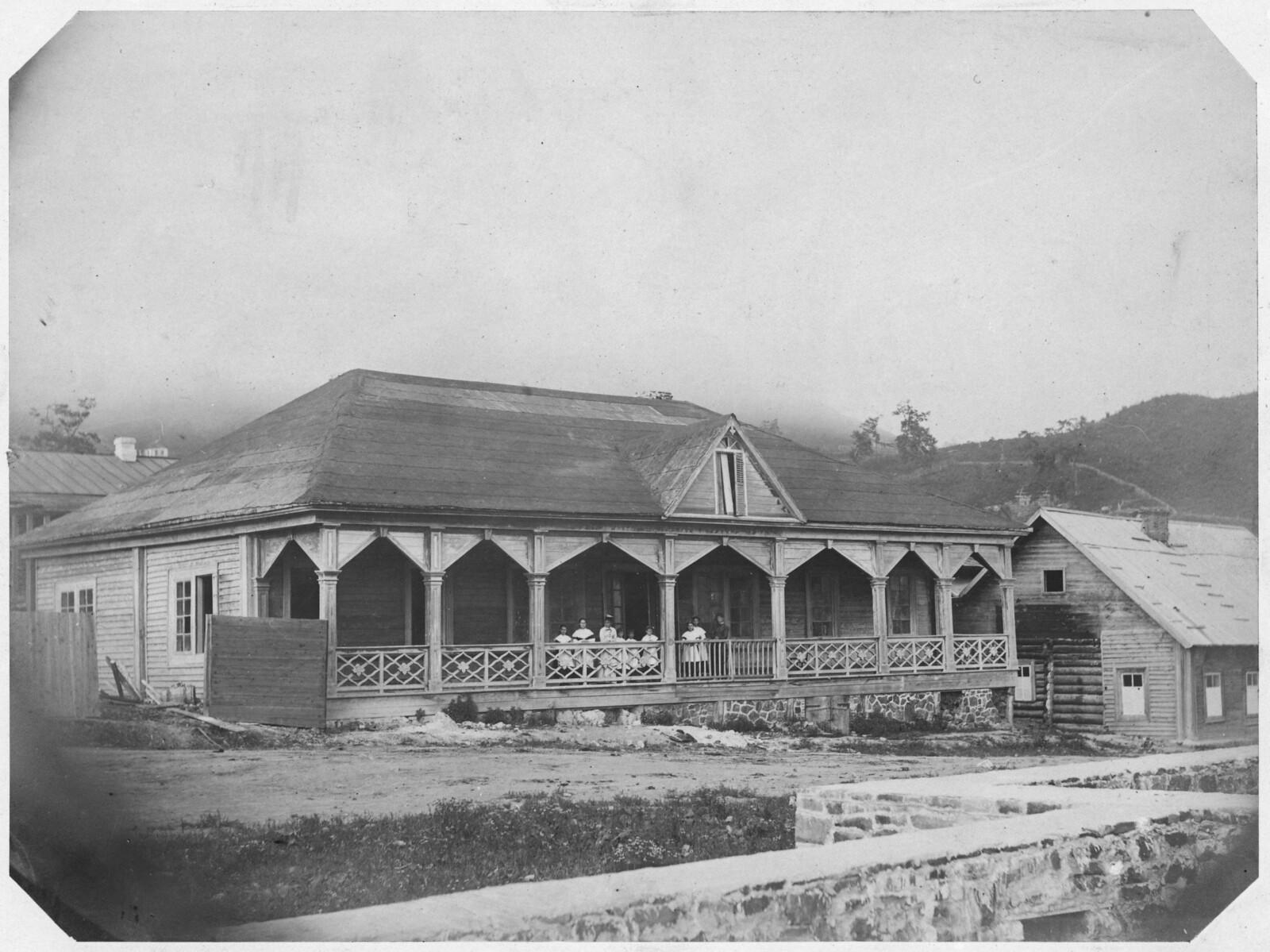 Женское училище морского ведомства на Светланской улице. 1865